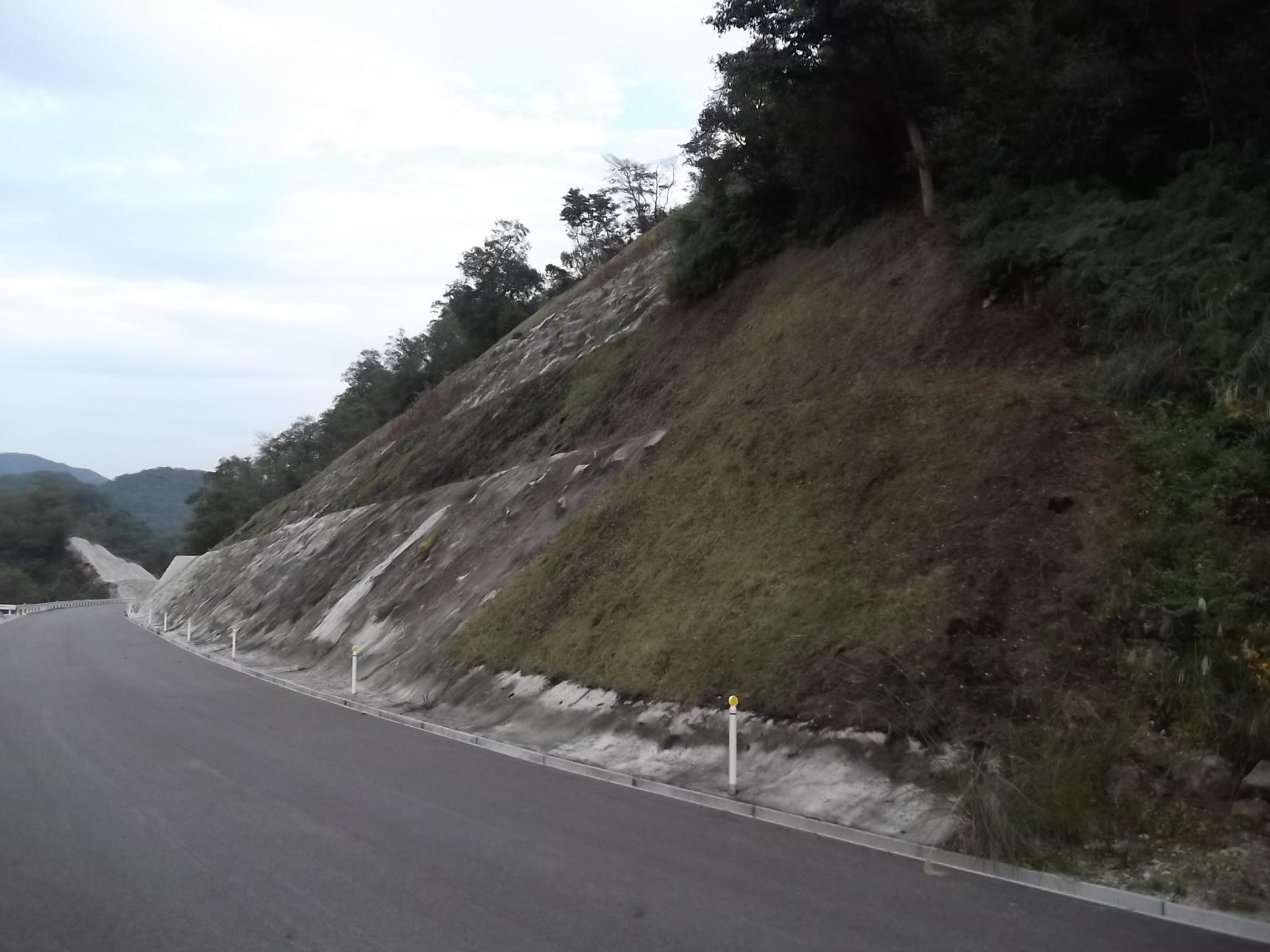 道整備交付金(広域農道)備前東部地区吉永1-18工区法面保護工事